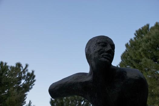 Statue sur la Place des Patriotes, Montpellier (29 janvier 2012)