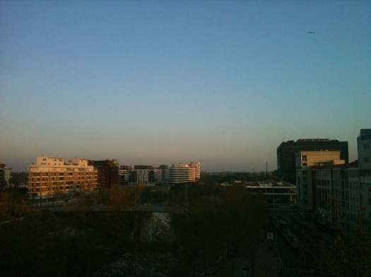 Soleil couchant sur Port Marianne, Montpellier (28 mars 2012)