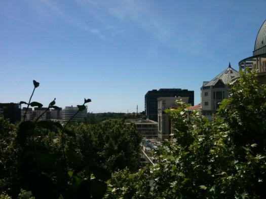 La nouvelle mairie sous le soleil, Montpellier (9 juin 2012)