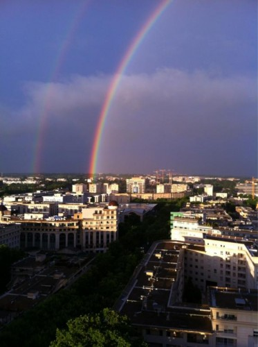Un arc-en-ciel qui surplombe Antigone, Montpellier (1 juillet 2012)