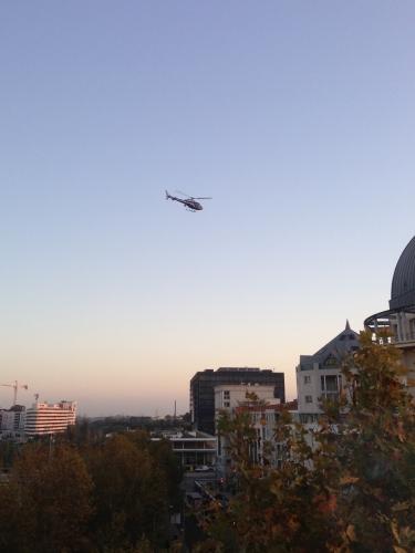 Hélicoptère en vol, Montpellier (15 novembre 2012)