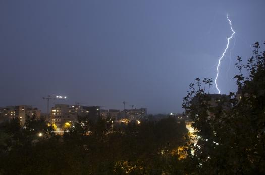 Un éclair frappe la mairie, Montpellier (4 octobre 2013)